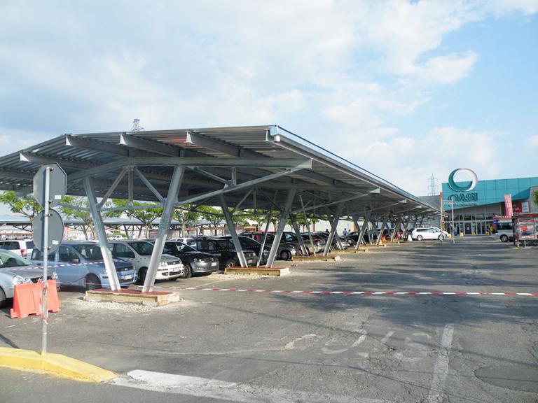 Copertura parcheggi centro commerciale Le Oasi